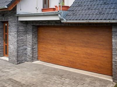 design garážových vrat hladký, imitace dřeva zlatý dub
